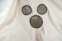 How to make an easy Halloween ghost costume out of a sheet for kids. Homemade simple pattern with DIY tutorial and template for a white bed sheet ghost. Ghost Costume Kids, Ghost Costume Sheet, Kids Dress Up Costumes, Sheet Ghost, Witch Costumes, Diy Costumes, Toddler Costumes, Halloween Costumes, Costume Ideas