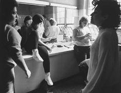7 agents online in the past Contemporary Photography, Documentary Photography, Documentaries, The Past, Dance, Concert, Chicago, Bathroom, Instagram