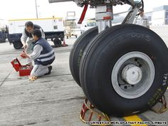 How do you change a tire on an Airbus A330? | CNN Travel