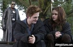 even though I've seen all the Twilight movies (go Team Edward!), this picture is hilarious!