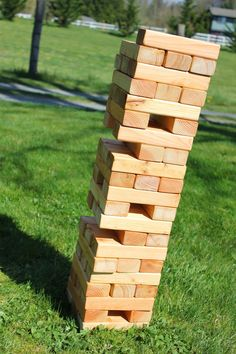 East plum: giant jenga with easy storage box & printable rules garden games, Backyard Plants, Backyard For Kids, Backyard Games, Diy For Kids, Backyard Ideas, Cabin Activities, Stacking Firewood, Life Size Games, Smoothies