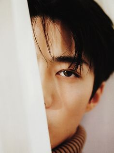 sehun has such pretty eyes omfg Exo Photoshoot, Chanyeol, Exo Kai, Rapper, Exo Korean, Exo Members, Pretty Eyes, Vixx, Bias Kpop