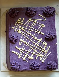 Purple yam (ube) sansrival from Kitchen's Best, the Fort (Philippines). One of my favorite cakes ever, a must try! Pinoy Food, Filipino Food, Filipino Recipes, My Dessert, Dessert Recipes, Desserts, Sansrival Recipe, Purple Yam, Ube