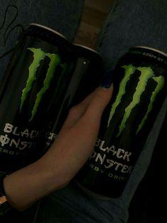 Niñas Monster Energy, Bebidas Energéticas Monster, Monster Crafts, Grunge Photography, Teenage Dream, Indie Kids, Aesthetic Grunge, Energy Drinks, Aesthetic Pictures