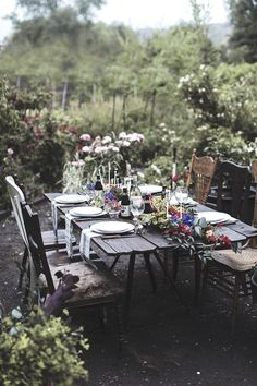 Move your table to the garden to eat amongst the greenery!