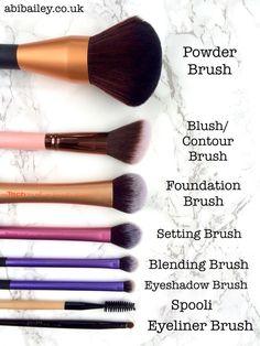 Make Up Pinsel Starter Kit - my most beautiful makeup list Make Up Kits, Makeup Guide, Makeup Tools, Artist Makeup, Makeup Brush Uses, Makeup Starter Kit, Makeup Order, Looks Dark, Makeup Tumblr
