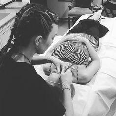 Blading the day away✍404-348-4456 #atlanta #heidicosmetictattoo #microblading #spcp #cpcp #microbladingatlanta  #realism #browdiaries #eyebrowtattoo #brows #hairstrokes #alopecia #eyebrows  #trichotillomania #inkedgirls #autoimmunedisease #hairloss #thyroid #drjohnconnors #changinglives