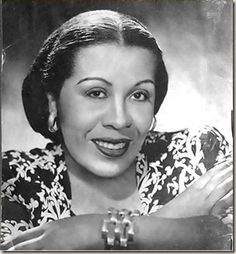 Lillian Randolph (December 14, 1898 – September 12, 1980) was an American actress and singer, a veteran of radio, film, and television. An African American, she worked in entertainment from the 1930s well into the 1970s, appearing in hundreds of radio shows, motion pictures, short subjects, and television shows.*I first discovered her as the maid on The Great Gildersleeve and as Madam Queen on the Amos and Andy show.How gorgeous is she?!*