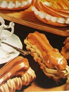 """Czech """"pinwheels"""" with caramel topping Czech Desserts, Sweet Desserts, Sweet Recipes, Slovak Recipes, Czech Recipes, Baking Recipes, Cake Recipes, Christmas Cooking, Pavlova"""