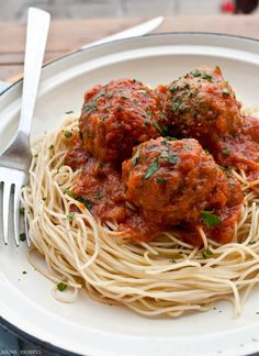 Delicious Classic Spaghetti with Meatballs. I haven't ate this in a while. I'm going to try it with whole wheat noodles.