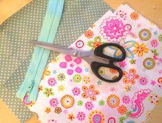 DIY KrimsKrams Täschen für die Handtasche. Passend für alle kleine Utensilien!