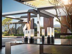 Blomus Faro Windlichtenset: De nieuwste windlichten van Blomus hebben door het gebruik van zwart polystone een stoere uitstraling. Breng gezelligheid in je tuin, op je balkon of in huis.
