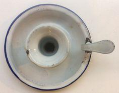 emalinen valko-sininen kynttilänjalka, halkaisija 13cm