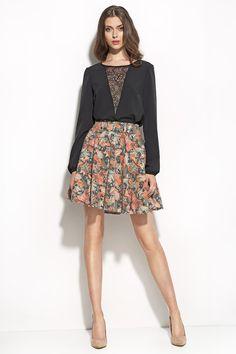 http://www.sklep.nife.pl/p,nife-odziez-spodnica-w-modnym-wzorze-sp21-liscie,28,968.html