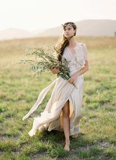 Greek Goddess...see more http://sweetvioletbride.com/2012/09/greek-goddess-styled-shoot-jose-villa/