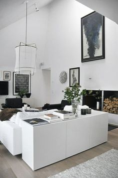 Wohnzimmer Ikea TV Möbel Besta The post Wohnzimmer Ikea TV Möbel Besta appeared first on İmgures. Small Living Room Design, Small Living Rooms, Home And Living, Living Room Designs, Living Spaces, Minimalist Home Interior, Home Interior Design, Interior Modern, Ikea Living Room