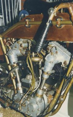 '23 Anzani 57degreeV-2 OHC, 58 hp w/top speed at around 115 mph.