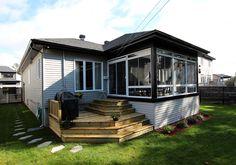 solarium plein verre Backyard Projects, Gazebo, Outdoor Living, Porch, Villa, Spa, Cabin, Sunrooms, Architecture