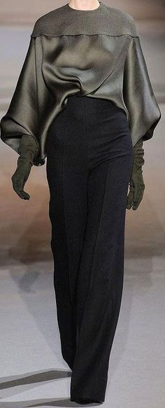 Haider Ackermann at Paris Fashion Week Fall 2012 - Runway Photos Look Fashion, Fashion Details, High Fashion, Winter Fashion, Fashion Show, Fashion Outfits, Womens Fashion, Fashion Design, Fashion Trends