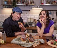 Péksuli EXTRA: Szabi, a pék és Szekeres Adrienn puha, foszlós babkája Croissant Bread, Buns, Food, Essen, Meals, Yemek, Po' Boy, Eten, Mixing Bowls