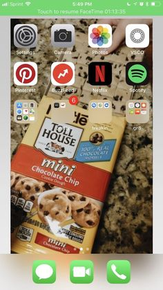 Chocolate Morsels, Chocolate Chip Cookies, Mini Chips, Iphone Layout, Facetime, Ios App, Organization, Organizing, Homescreen