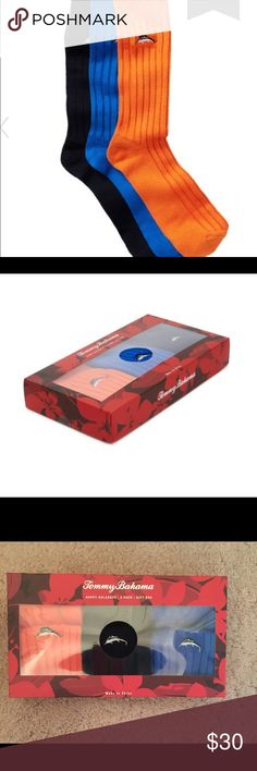 🆕 Tommy Bahama gift box 3 pak crew socks 🧦 💯% authentic Tommy Bahama Happy Huladays gift box 3 pak crew socks NWT 3 ribbed crew socks with logo detail orange blue & black NIB never been worn box still sealed Tommy Bahama Underwear & Socks Casual Socks
