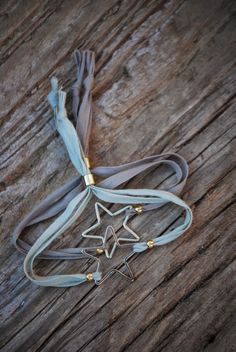 b e a c h & e a u: PULSERAS DE CINTAS.........las cintas atarán nuestras muñecas esta primavera.....como muestra estas pulseras de BISUTERÍA que podeis encontrar ya a la venta en TRY (gijón) LA OCTAVA (Ferrol ) y NEA (SAN SEBASTIÁN)