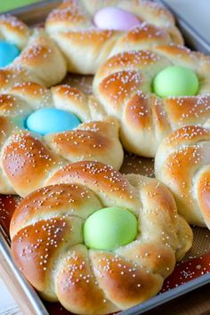 This quick and easy Italian Easter Bread recipe is just perfect for Easter! The sweet bread makes a great setting for the eggs, and everything cooks right in the oven! Easter Bread Recipe, Easter Recipes, Holiday Recipes, Brunch Recipes, Easter Meal Ideas, Easter Desserts, Fun Recipes, Recipes Dinner, Delicious Recipes