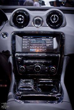 Jaguar XJ-L R