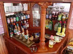 Pub beer bar miniatura dollhouse