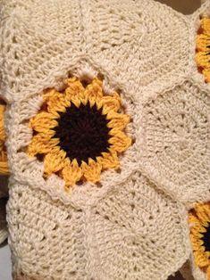 Transcendent Crochet a Solid Granny Square Ideas. Inconceivable Crochet a Solid Granny Square Ideas. Granny Square Häkelanleitung, Granny Square Crochet Pattern, Crochet Squares, Crochet Granny, Easy Crochet, Crochet Baby, Knit Crochet, Granny Squares, Freeform Crochet