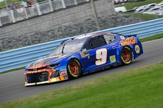 Chase Elliott gets his first career Cup Series win after 99 starts and 8 second place finishes. Nascar Shop, Nascar Race Cars, Sport Cars, Chase Elliott Car, Nascar Heat, Jr Motorsports, Martin Truex Jr, Nascar Diecast, Vintage Race Car