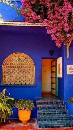 Marjorelle Garden in Marrakech, Morocco Colores Moroccan Design, Moroccan Style, Moroccan Blue, Home Design, Interior Design, Modern Design, Pintura Exterior, Marrakech Morocco, Cheap Home Decor
