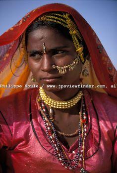 India People | Bopa Gypsy People of the Rajasthan Desert, Pushkar, India..Puli of the ... Gypsy People, Jean Philippe, India People, India And Pakistan, Blue City, Bikini Fashion, Women's Fashion, Rajasthan India, Girl Photos