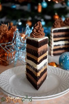 Tort festiv cu ciocolata si cafea Chocolate Caramel Cake, Chocolate Cake With Coffee, Chocolate Flavors, Coffee Cake, Caramel Frosting, Best Pastry Recipe, Pastry Recipes, Cookie Recipes, Biscuit Cookies