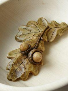 Brož - dubový list s žaludy (velký brožový můstek)