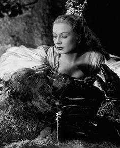 """Jean Marais et Josette Day - """"La Belle et la Bête"""" - Jean Cocteau (1946)"""