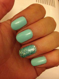 Cool Summer Nails #shellac #mint #glitter #pretty