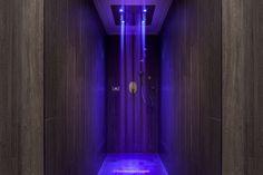 Brimstone Spa bietet seinen Gästen Erholung und Wohlfühlmomente in einem modernen Day-Spa mit Schwerpunkt auf hochwertigen Anwendungen und ruhigen Momenten. #brimstone #uk #unitedkingdom #langdale #spa #projekt #experienceshower #experience #shower #dusche #erlebnisdusche #erlebnis #water #wasser #mystic #modern Spa Design, Spa Shower, Wellness, Bad, Modern, Cool Stuff, Houses, Bathroom, Google Search