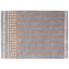 Tapis Toulemonde Bochart en coton pastel Barnabe (3 tailles) Inès de La Fressange. On aime son esprit bohème chic, juxtaposant sur son coton de velours écru des motifs géométriques et fausses franges.