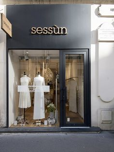 Fashion Shop Interior, Clothing Boutique Interior, Fashion Store Design, Clothing Store Design, Shop Interior Design, Boutique Design, Boutique Decor, Modegeschäft Design, Store Layout