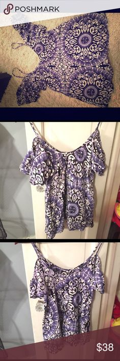 NWOT Lucy Love off the shoulder top XS Lucy Love Tops