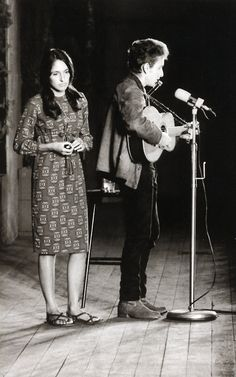 Joan Baez and Bob Dylan on stage 60s Music, Folk Music, Music Icon, Joan Baez, Like A Rolling Stone, Rolling Stones, Robert Allen, Bob Dylan, C G Jung