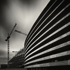 6D. Longue exposition. In Construction, Edifice, Building. Building, photography by Lionel Orriols. Image #488098