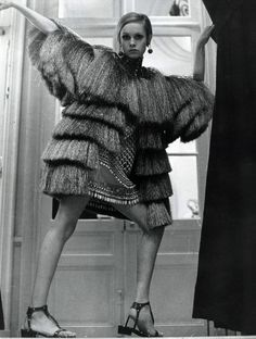 Twiggy, 1960s. - find more Twiggy and other 1960s fashion model pictures at http://fashioninthe1960s...