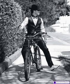 Sam Rockwell on a bike in white winklepickers? You'd be hard pushed to find anything wrong with this image
