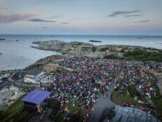 Tønsbergs Blad - Soloppgangskonsert på Verdens Ende Mountains, Water, Travel, Outdoor, Culture, Gripe Water, Voyage, Outdoors, Viajes