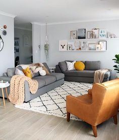grey living room grey couch to refresh your home grey living room grey couch to refresh your home Amazing Living Room Design Ideas Rugs In Living Room, Living Room Sets, Home And Living, Living Room Designs, Modern Living, Luxury Living, Simple Living, Room Rugs, Living Room Decor Grey Sofa