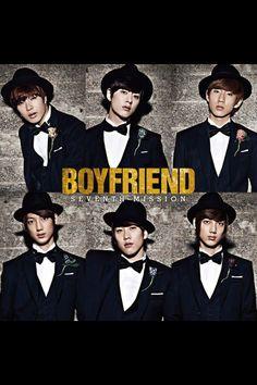 Boyfriend! hihi in their black and white baby x3