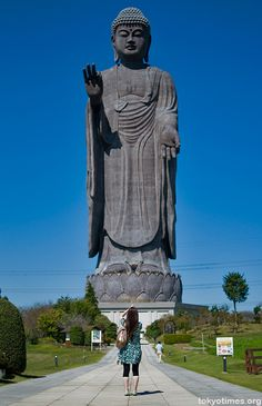 Ushiku Daibutsu, in Ibaraki Prefecture, Japan (The world's largest statue) (I used to be able to see this from my apartment) Amitabha Buddha, Gautama Buddha, Ibaraki, Buddhist Temple, Buddhist Art, Greek Statues, Buddha Statues, Angel Statues, Japon Tokyo